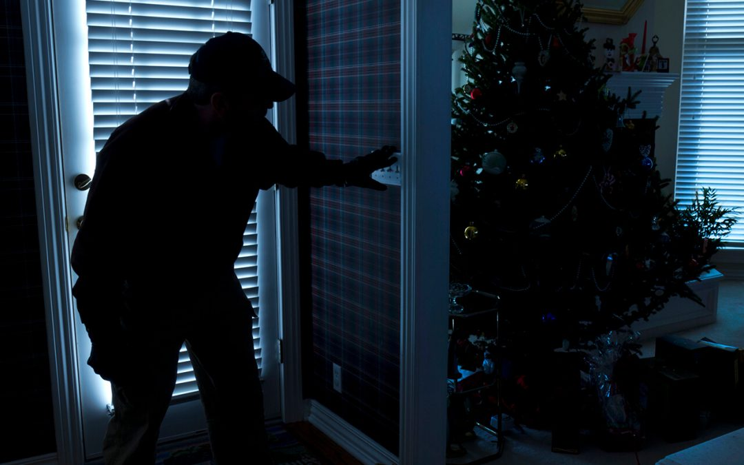 10 Tips to Increase Home Security During the Holidays When You Travel